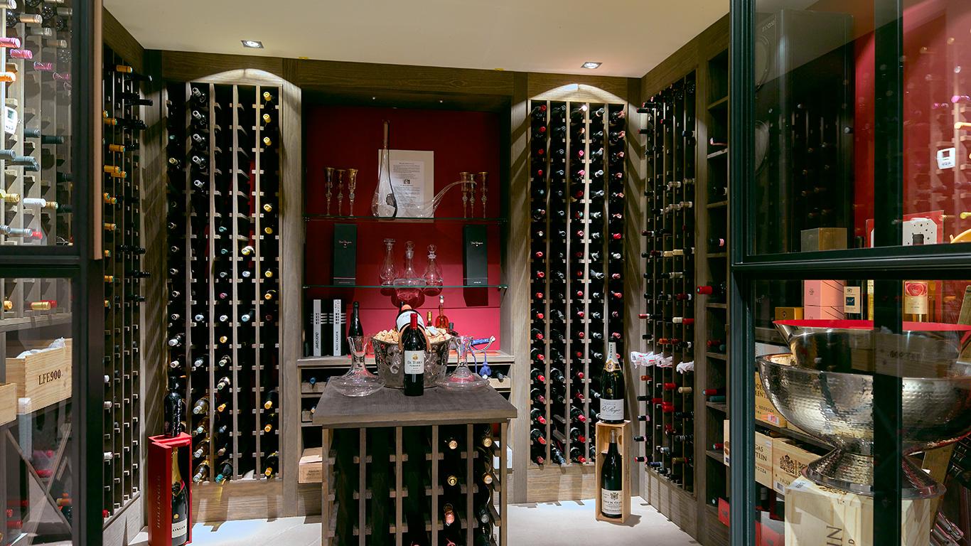 Bijzondere opdracht bouw een wijnkelder centimeesters for Wijnkelder ontwerp